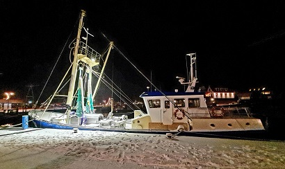 Vessel at night with our E-LED Lights & Piet Brouwer Elektro Techniek Urk